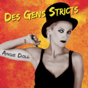 Angie Doll Des Gens Stricts