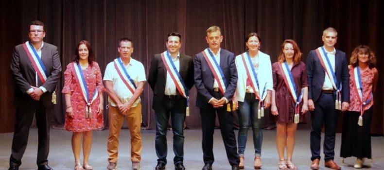 À Pernes, le nouveau maire et ses adjoints s'installent.