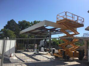 Installation du auvent - Station essence AVIA - MONTEUX