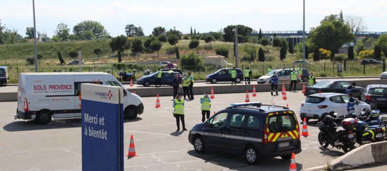Contrôle des attestations de déplacement au péage d'Avignon Nord